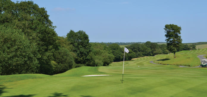 Beeches 16th - 470 yard - Par 5